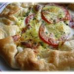 Crostata salata pomodori e mozzarella