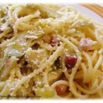 Spaghetti saltati con carciofi e pancetta