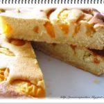 Torta di albicocche e farina gialla alla maniera di….