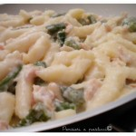 Gnocchetti cremosi asparagi, salmone e pinoli
