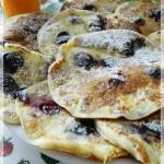 La colazione del dì di festa…..pancakes ai mirtilli