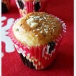 Piccoli muffins salati profumati al pecorino, timo e nocciole