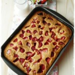 Torta al latticello e fragole di Tessa Kiros