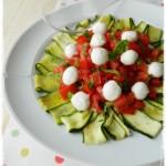 Insalata di zucchine, pomodori e mozzarelline