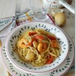 Spaghetti al merluzzo, mazzancolle e pomodorini, profumati all'origano