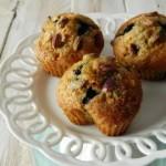 Cuoricini di muffins ai mirtilli, arancia e pistacchi
