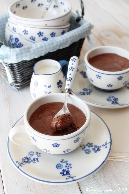 mousse al cioccolato e caffè profumata alla cannella