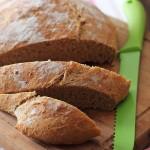 Chiocciola di pane integrale con semi di lino