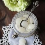 In cucina con il tè: maggio, mese di spose e cerimonie…Ginevrine di zucchero profumate