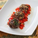 Polpettine di quinoa rossa, ceci e sesamo profumate al timo: ricetta per Altromercato