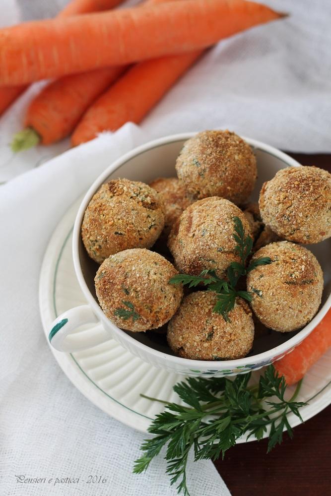 polpettine di pane e ciuffi di carota