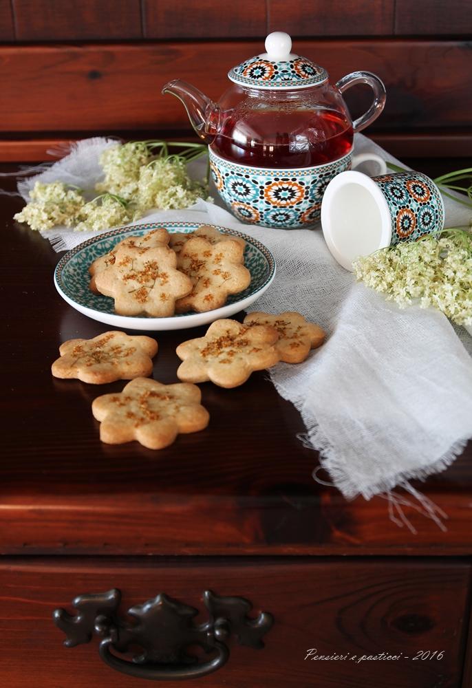 Biscotti di frolla vegana al sambuco 1