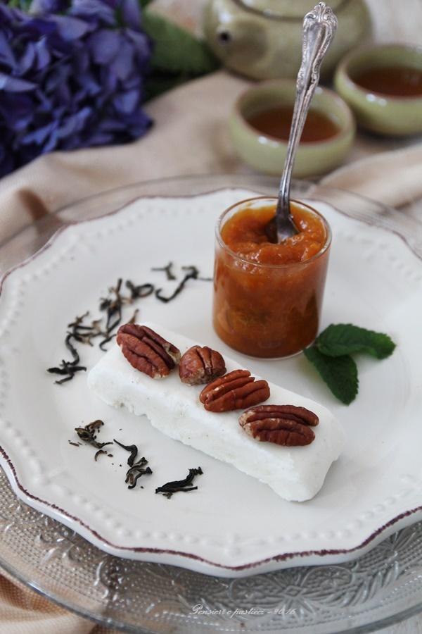 semifreddo allo yogurth greco con composta di albicocche e tè red mao feng 2