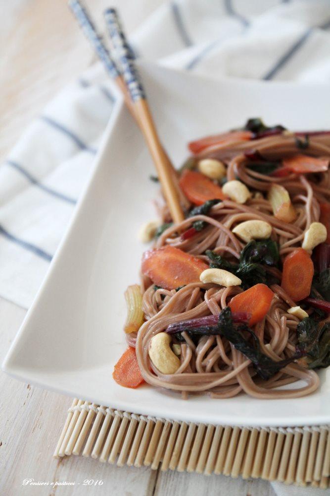 soba noodles alle verdure, latte di cocco ed anacardi 2
