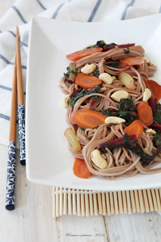 soba noodles alle verdure, latte di cocco ed anacardi 3