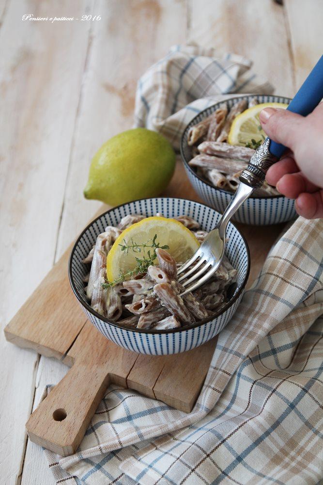 penne farro e fave in crema di limone e timo - ricetta vegan 1