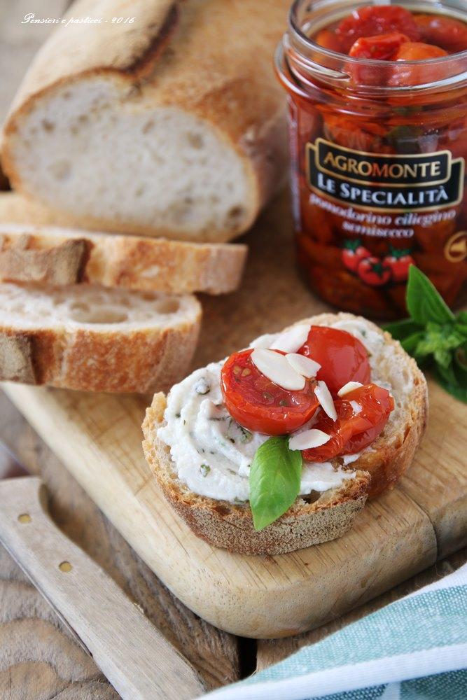 crostoni-alla-mousse-di-burrata-basilico-e-ciliegini-2