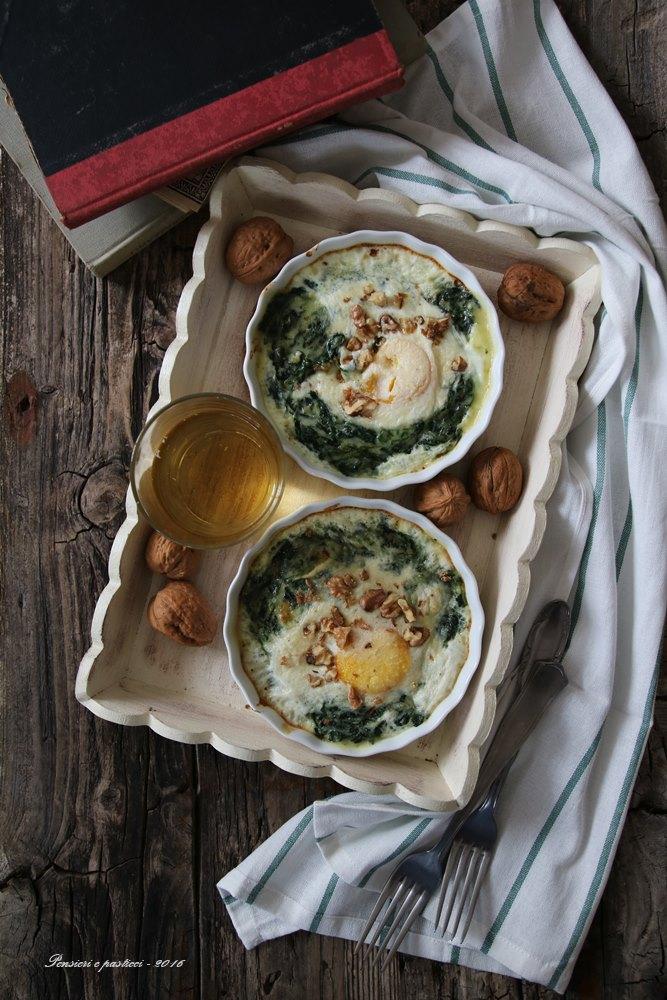 cocotte-di-spinacini-cremosi-e-uova-al-forno-3