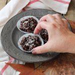 Croccantini al farro soffiato, cioccolato, cranberries e pistacchi