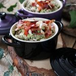 Fusilli di grano saraceno alla crema di broccoli, mandorle e speck croccante