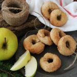 Ciambelline al succo di mela e cannella