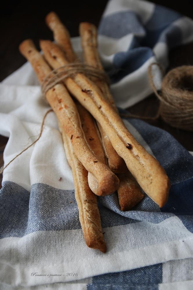 grissini-al-sale-e-peperoncino-con-pasta-madre