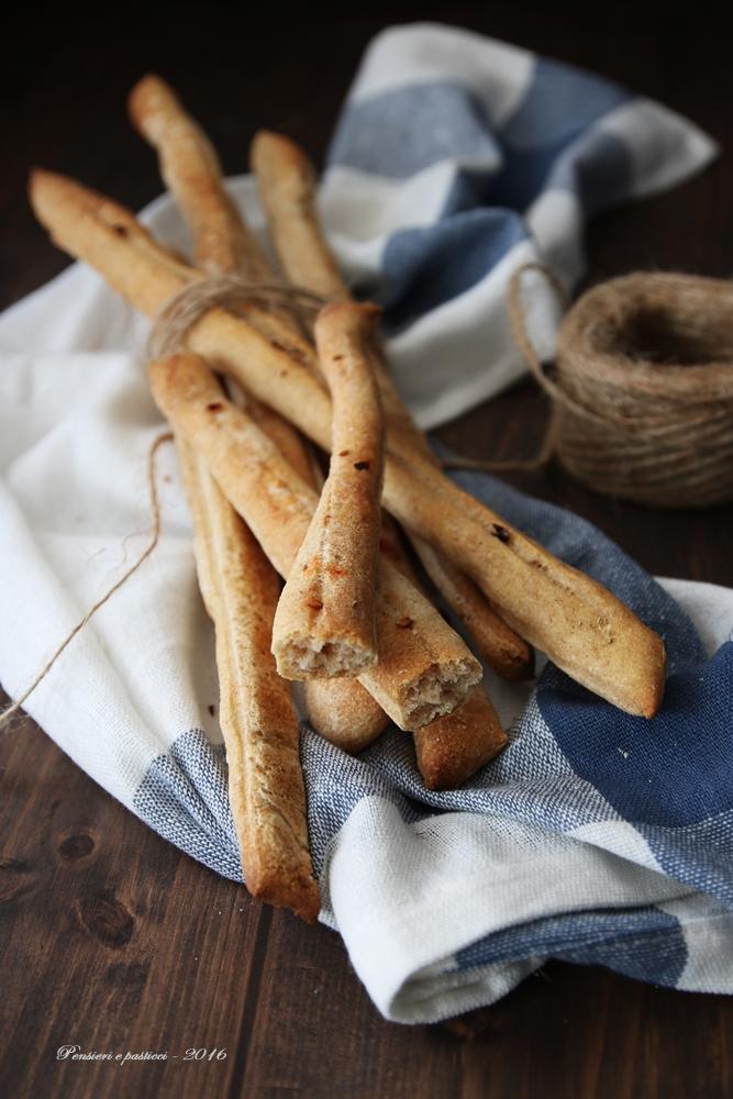 grissini-al-sale-e-peperoncino-con-pasta-madre-1