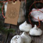 """Meringhe al tè Santa Claus, per la rubrica """"In cucina con il tè"""" di dicembre"""