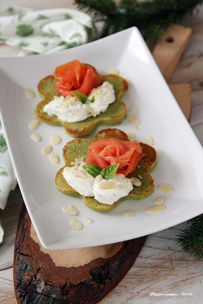 pancake-salati-alla-farina-di-piselli-salmone-e-crema-di-formaggio-1591