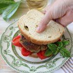 Hamburger di melanzane alla feta e basilico