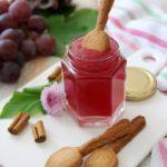 Gelatina all'uva rosata e cannella