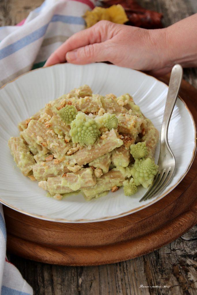 tortiglioni di farro alla crema di broccolo romanesco
