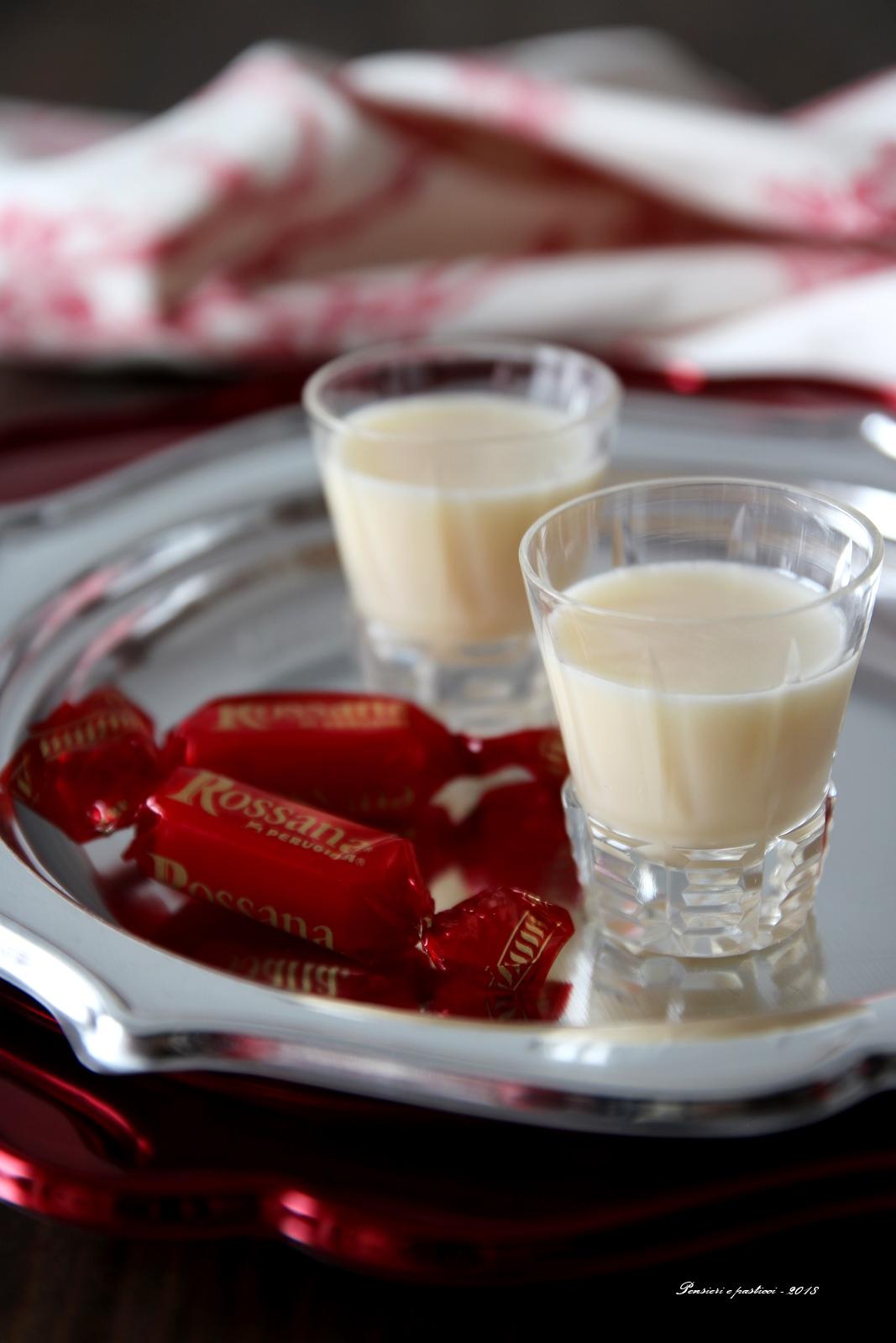 Liquore alle caramelle Rossana