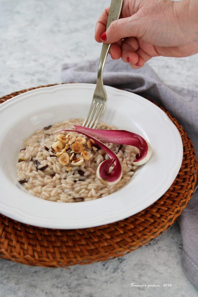 risotto al tè Kukicha tostato, radicchio e nocciole