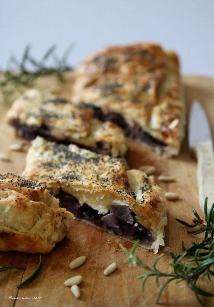 strudel salato al radicchio, rosmarino e patate viola