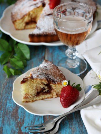 Torta Nua birra e confettura-fragole