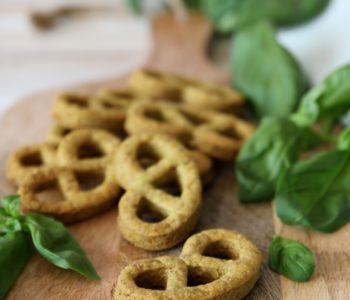 biscotti salati al basilico e parmigiano