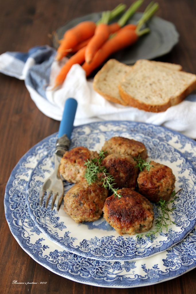 Polpette di carne e ciuffi di carota