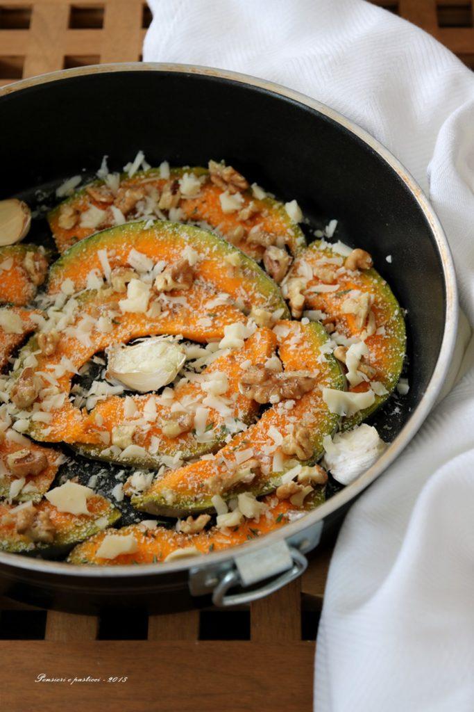 zucca croccante al formaggio e noci