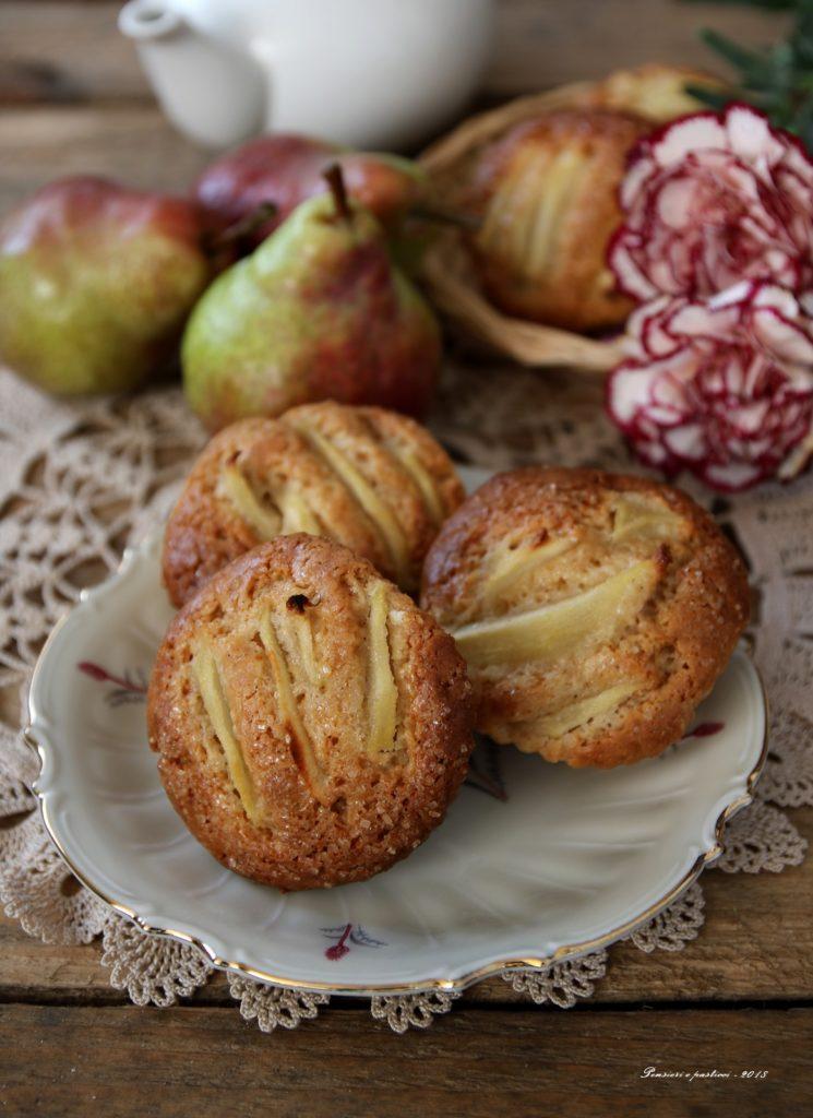 muffins al farro con yogurt, pere e spezie