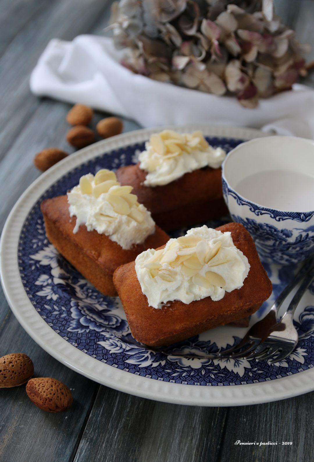 mini cakes alle carote e mandorle