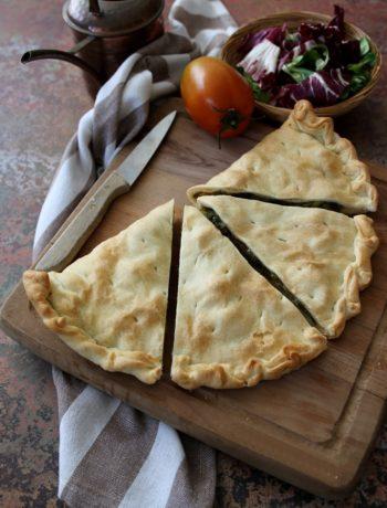 panzerotto con scarola mozzarella e pistacchi