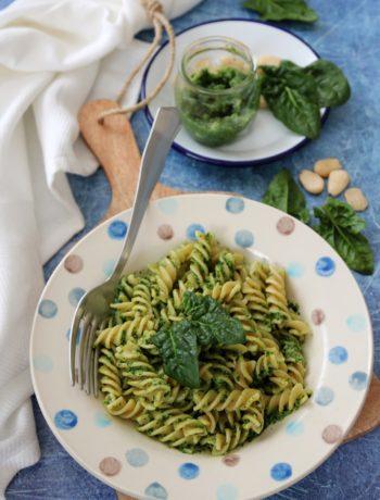 Pesto di spinaci e mandorle