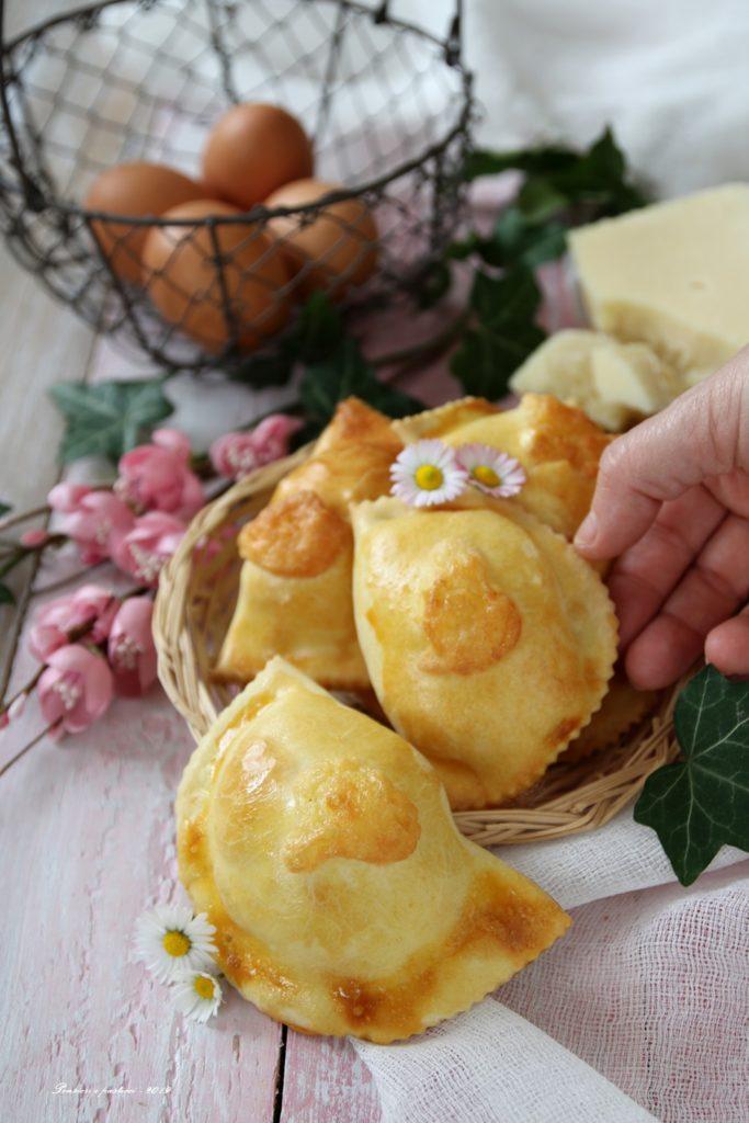 fiadoni abruzzesi al formaggio