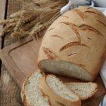 Pane bianco con pasta madre essiccata