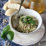 Risotto alle fave, basilico e pinoli