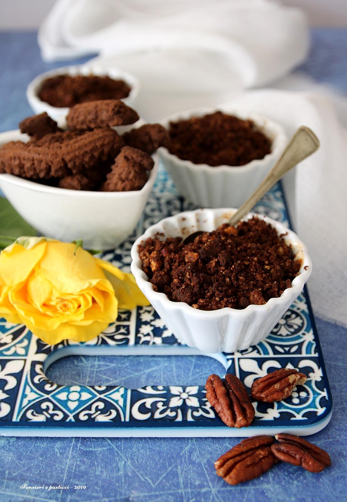 crumble di pere al cacao e noci pecan