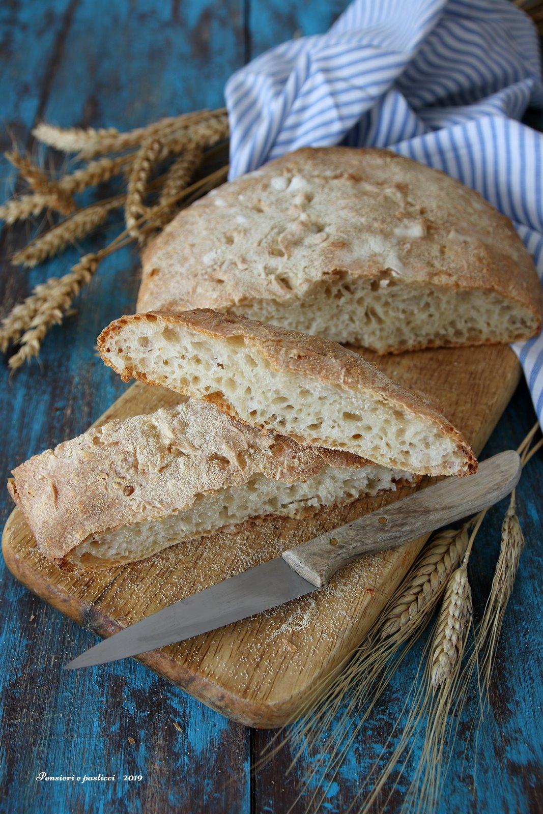 Pane bianco con Licoli