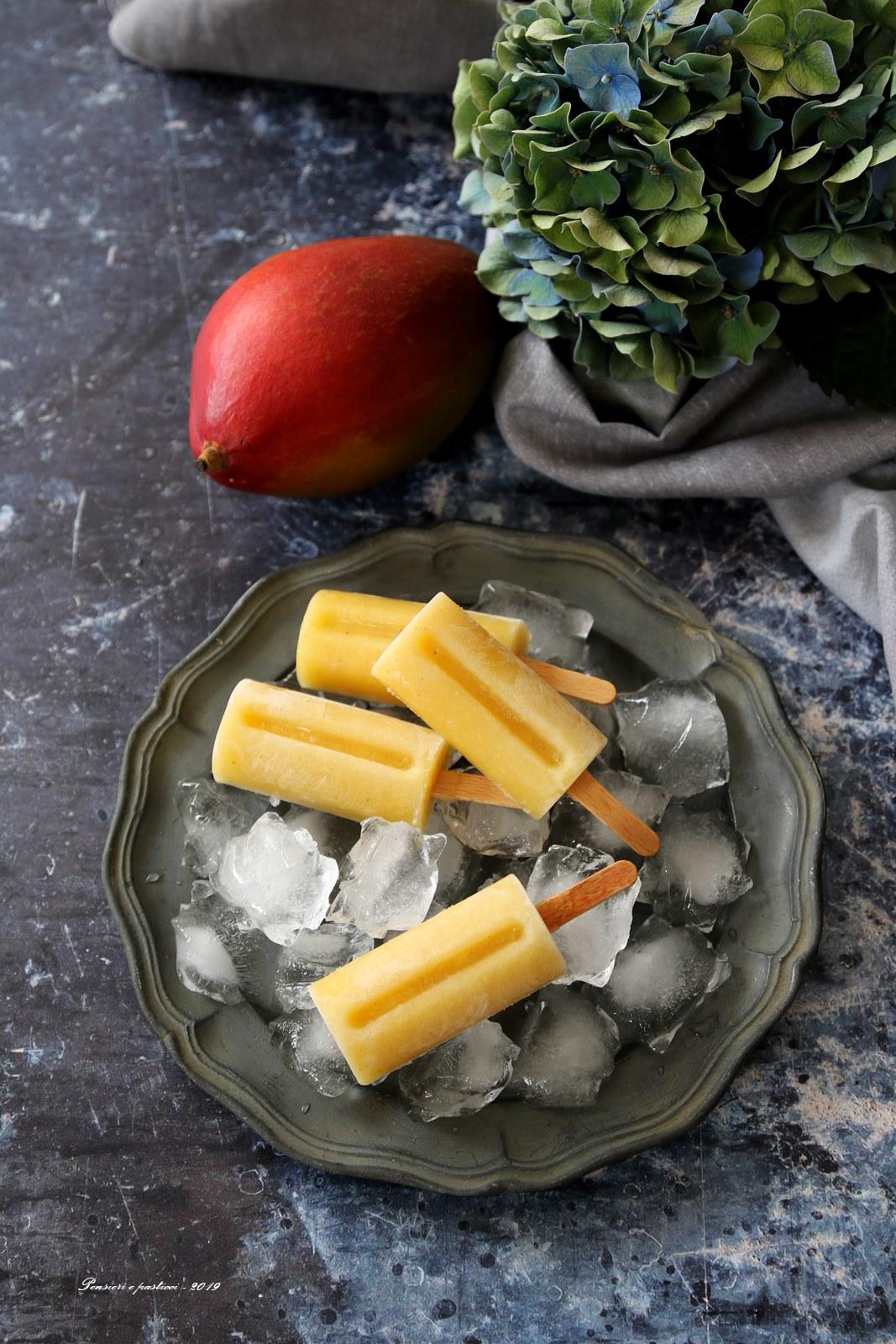 ghiaccioli al mango e tè