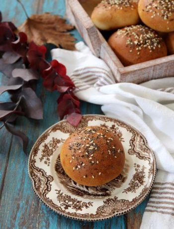 panini soffici al latte con semini e farina tipo 1